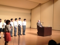 ence-museum-auditorium-mike-with-high-school-boys-talking-july-17-2012